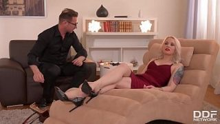 client lola taylor gagged blindfolded and fucked balls deep by therapist