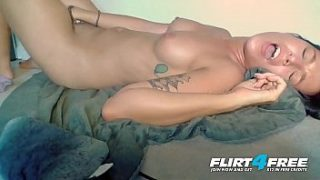 lucee moon flirt4free kinky cutie pleasures her perfect pussy and petite body