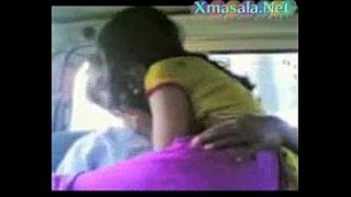 Tamil cute desi girl fucked by mooched man in car