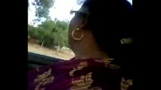 TIRUNELVELI TAMIL DELPHINE AUNTY IN CAR FEELING SATIN SILK DICK